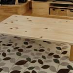 テーブルを桧でDIY!子供の安全のために角や脚を丸く作る方法